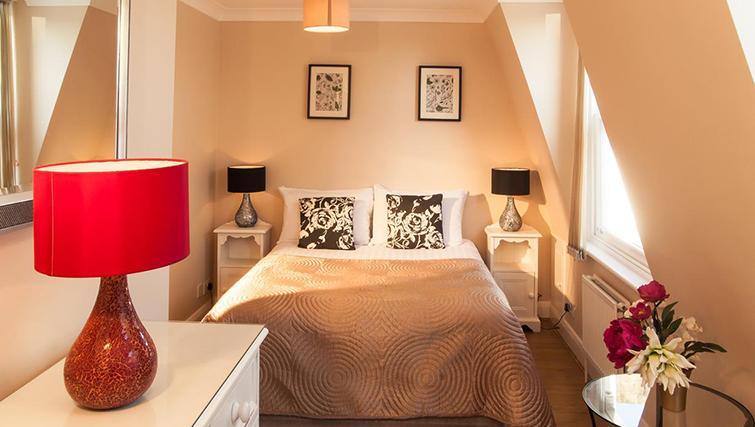 Stunning bedroom in Hammersmith Town Apartments - Citybase Apartments