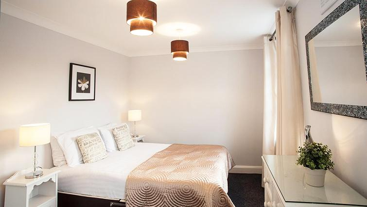 Attractive bedroom in Hammersmith Town Apartments - Citybase Apartments