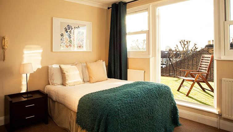 Contemporary bedroom in  Hammersmith Town Apartments - Citybase Apartments