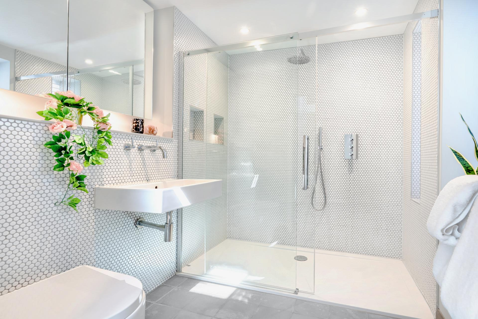Bathroom at BE: Wardour Street Apartments, Soho, London - Citybase Apartments