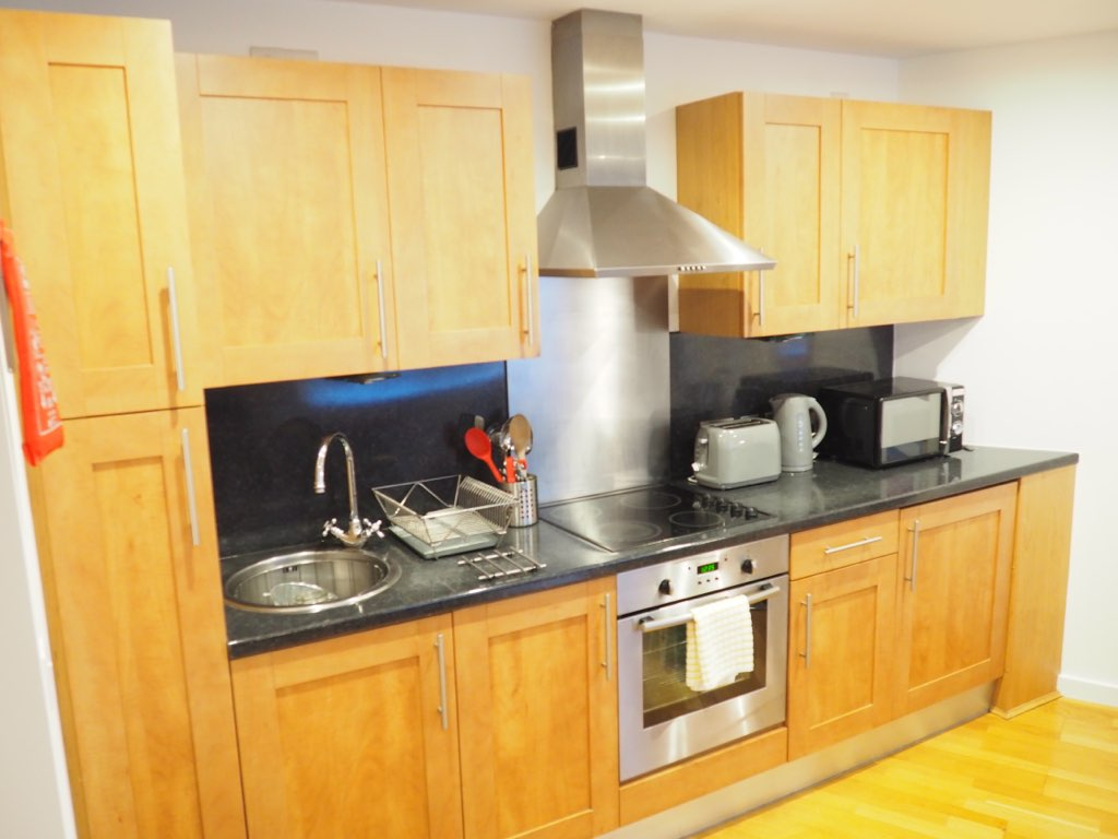 Kitchen at The Gateway Crown Apartments - Citybase Apartments