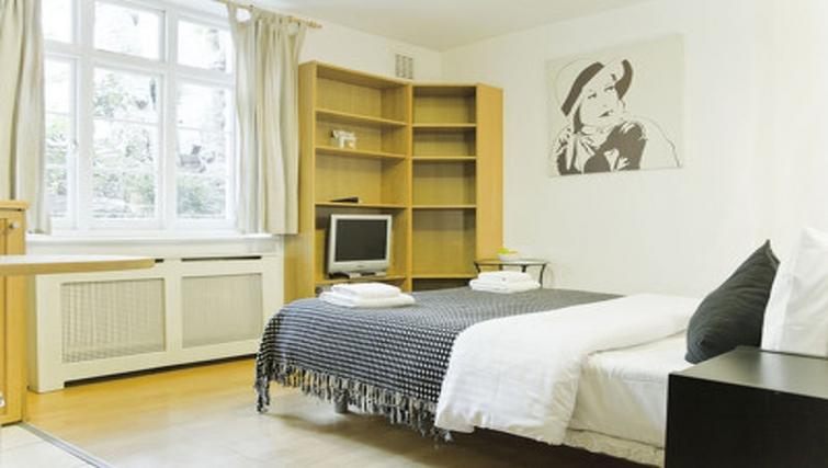Spacious bedroom in Cartwright Gardens - Citybase Apartments
