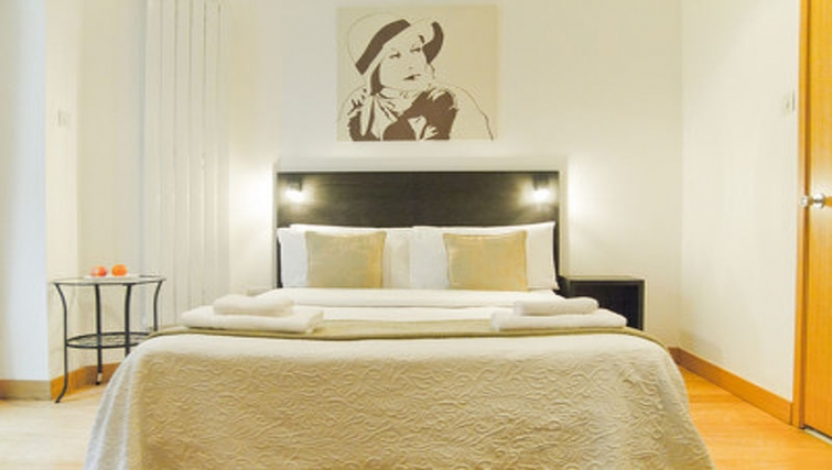 Lovely bedroom in Cartwright Gardens - Citybase Apartments