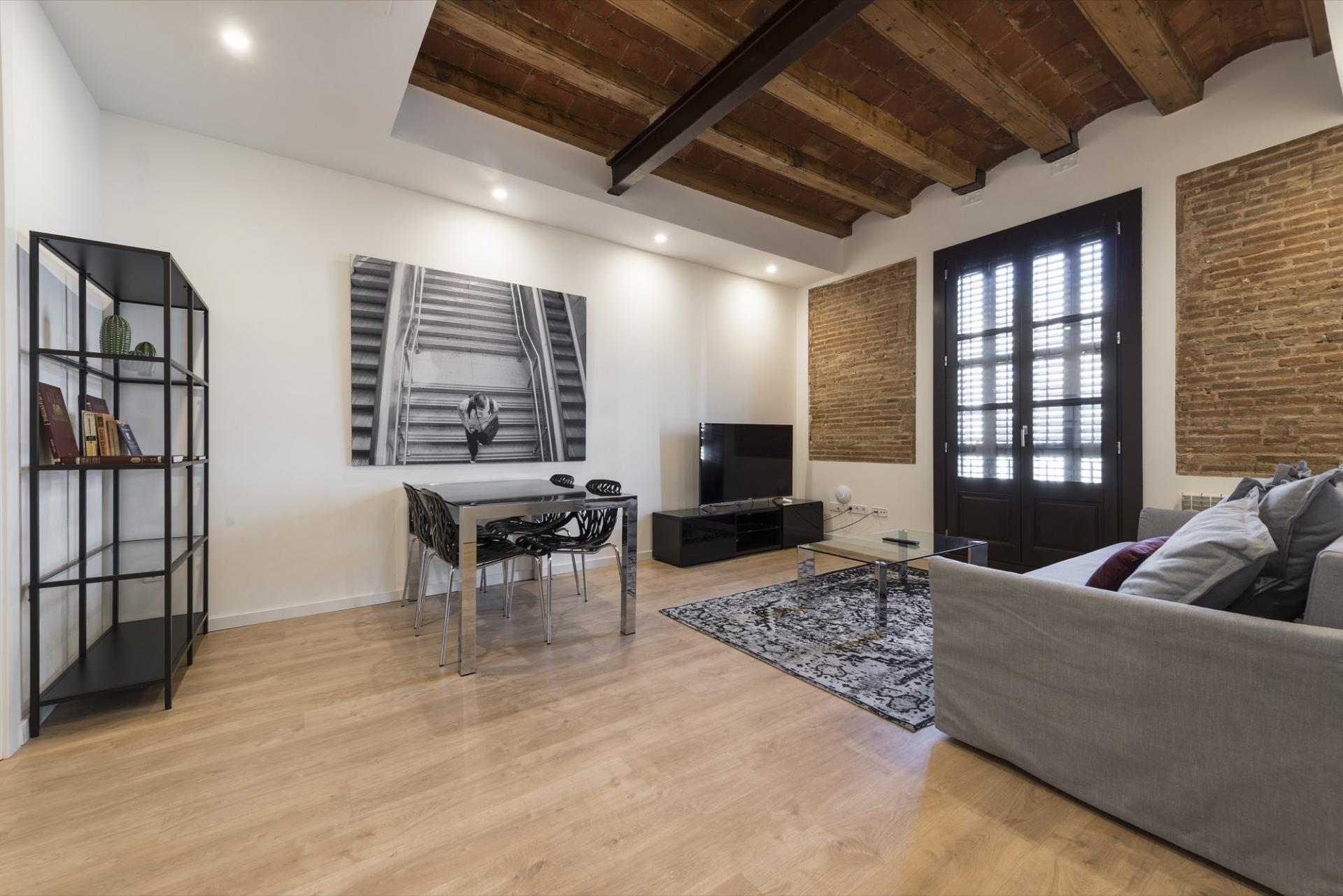 Dining area at Pelayo Suites, El Raval, Barcelona - Citybase Apartments