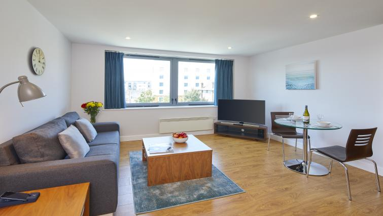 Living room at the Aparthotel Farnborough - Citybase Apartments