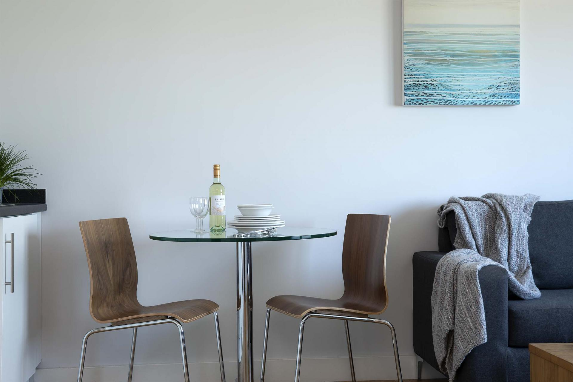 Dining table at Aparthotel Farnborough - Citybase Apartments