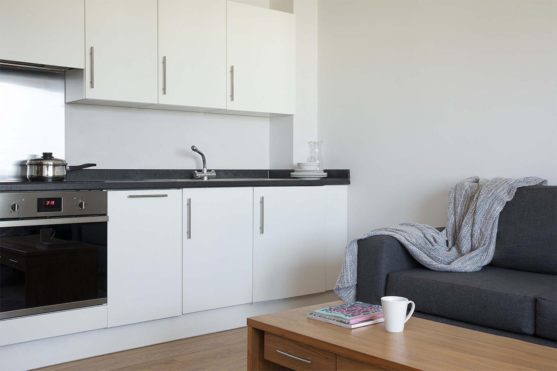 Lounge area at Aparthotel Farnborough - Citybase Apartments