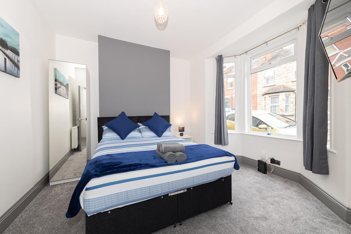 Bedroom at Stuart Road House, Heavitree, Exeter - Citybase Apartments