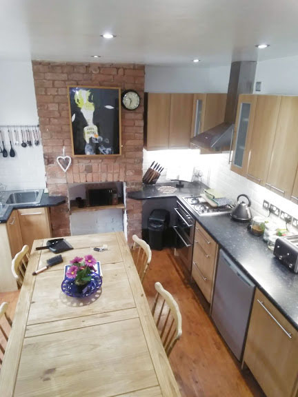 Kitchen at West View Terrace House, Centre, Exeter - Citybase Apartments