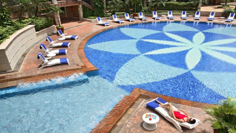 Amazing pool in Somerset Grand Citra Apartments - Citybase Apartments