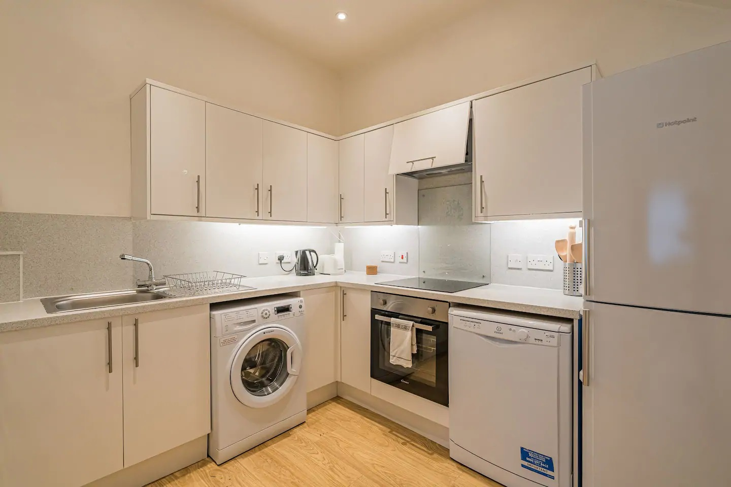 Laundry facilities at Grassmarket Apartment - Citybase Apartments