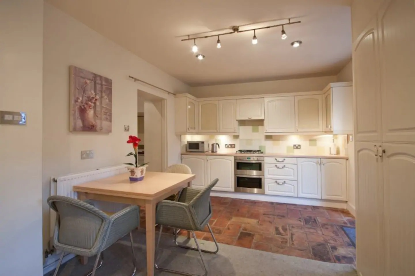 Kitchen at Abercromby Place - Citybase Apartments