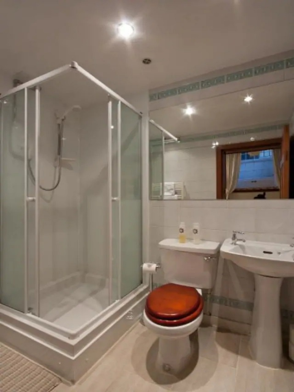 Bathroom at Abercromby Place - Citybase Apartments