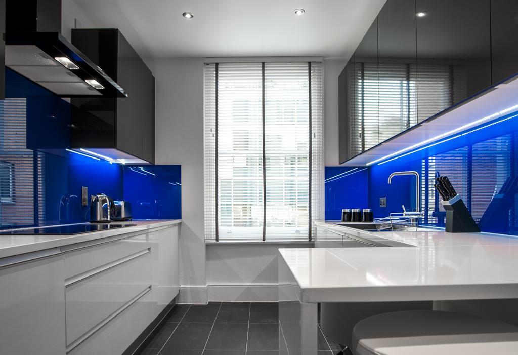 Kitchen at Garrick Mansions Apartments - Citybase Apartments
