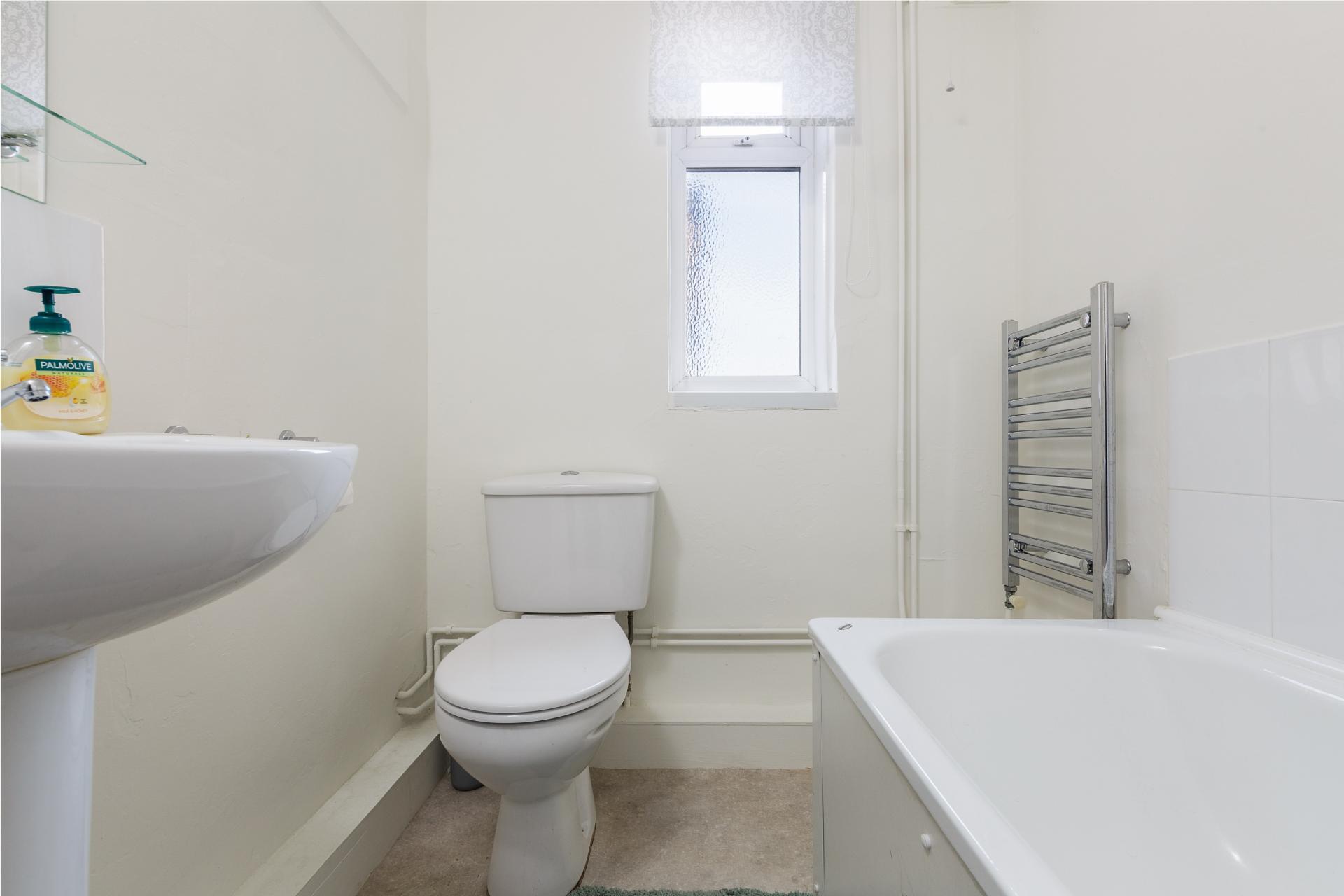Bathroom at Braganza House Apartments, Old Portsmouth, Portsmouth - Citybase Apartments