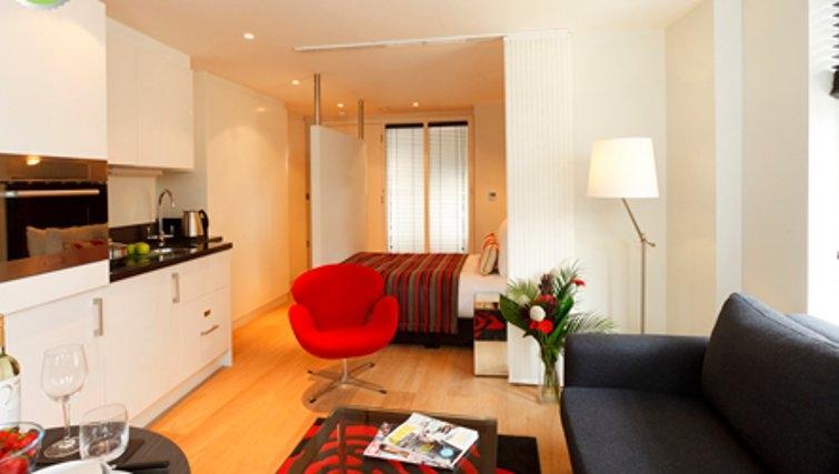 Living area in SACO Fleet Street - Crane Court - Citybase Apartments