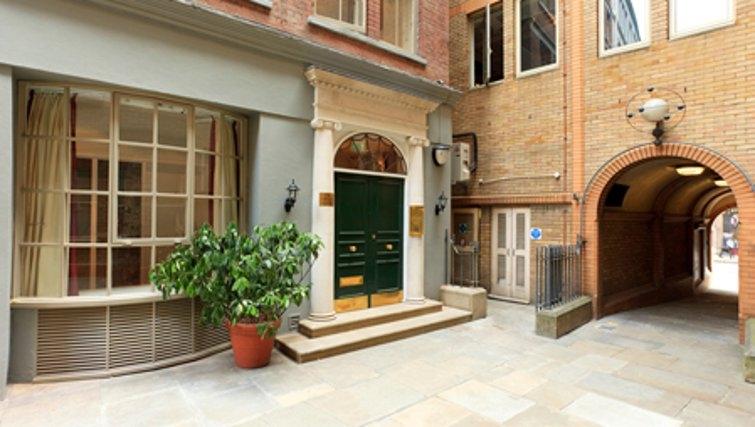 Elegant exterior of SACO Fleet Street - Crane Court - Citybase Apartments
