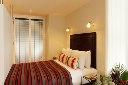 Cosy bedroom at SACO Fleet Street - Crane Court - Citybase Apartments