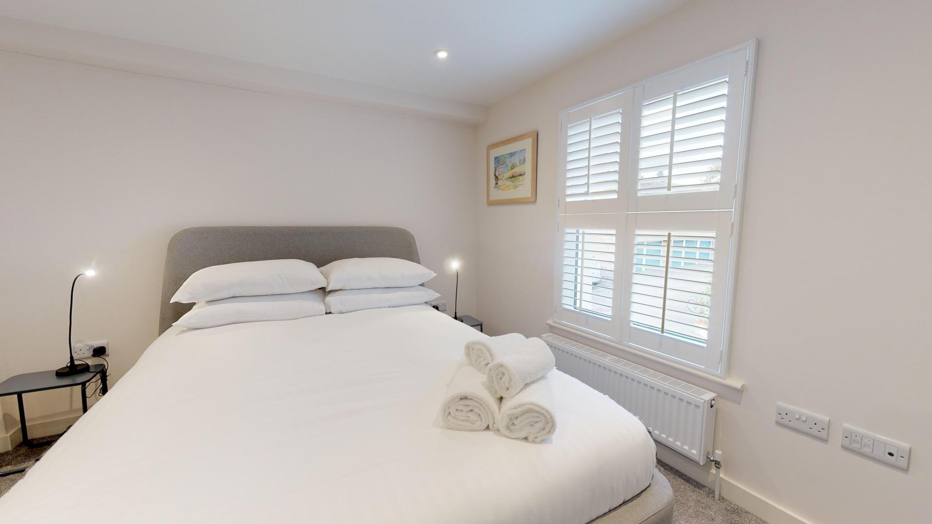 Bed at Rogers Street House, Summertown, Oxford - Citybase Apartments