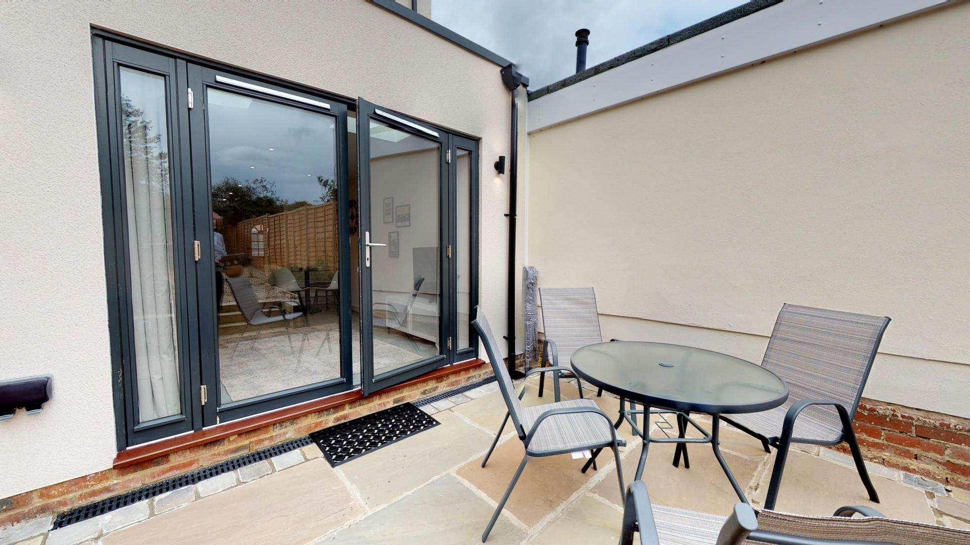 Patio furniture at Rogers Street House, Summertown, Oxford - Citybase Apartments