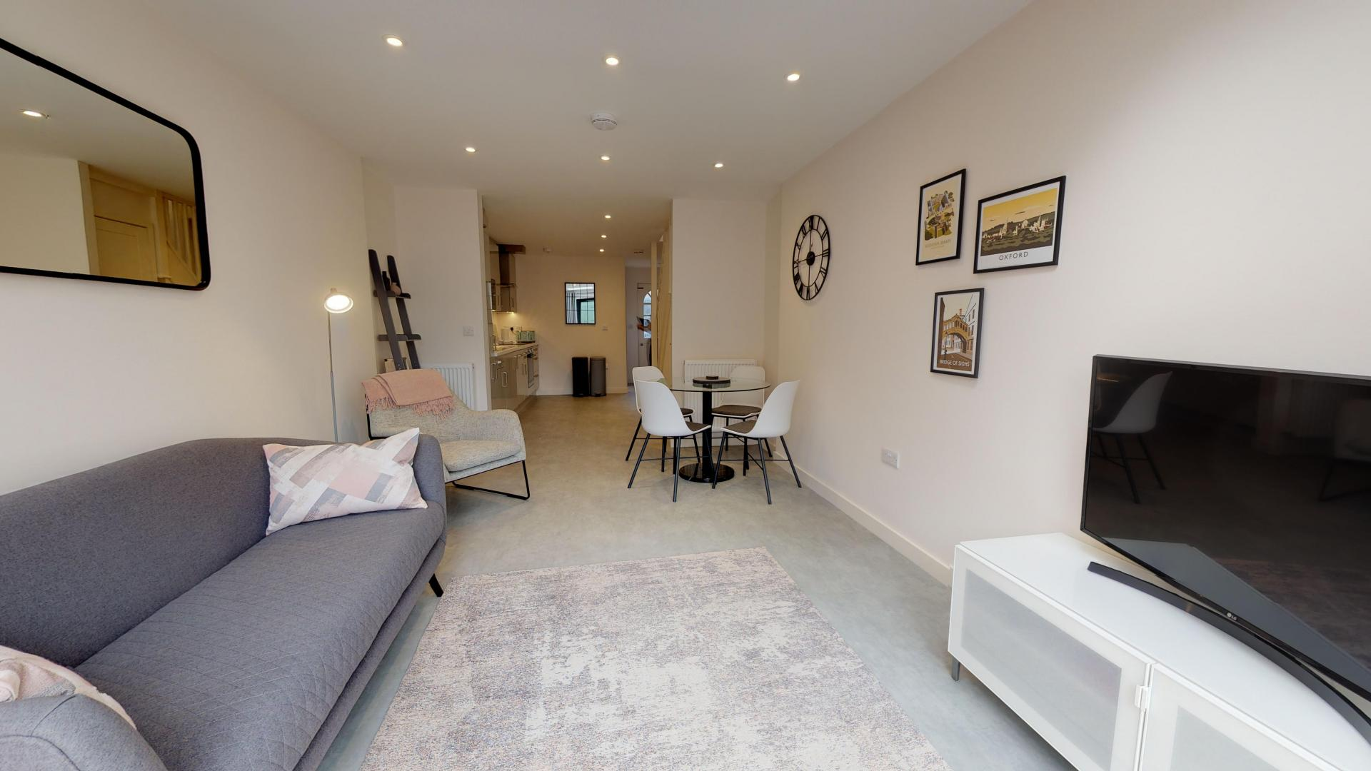 Living area at Rogers Street House, Summertown, Oxford - Citybase Apartments