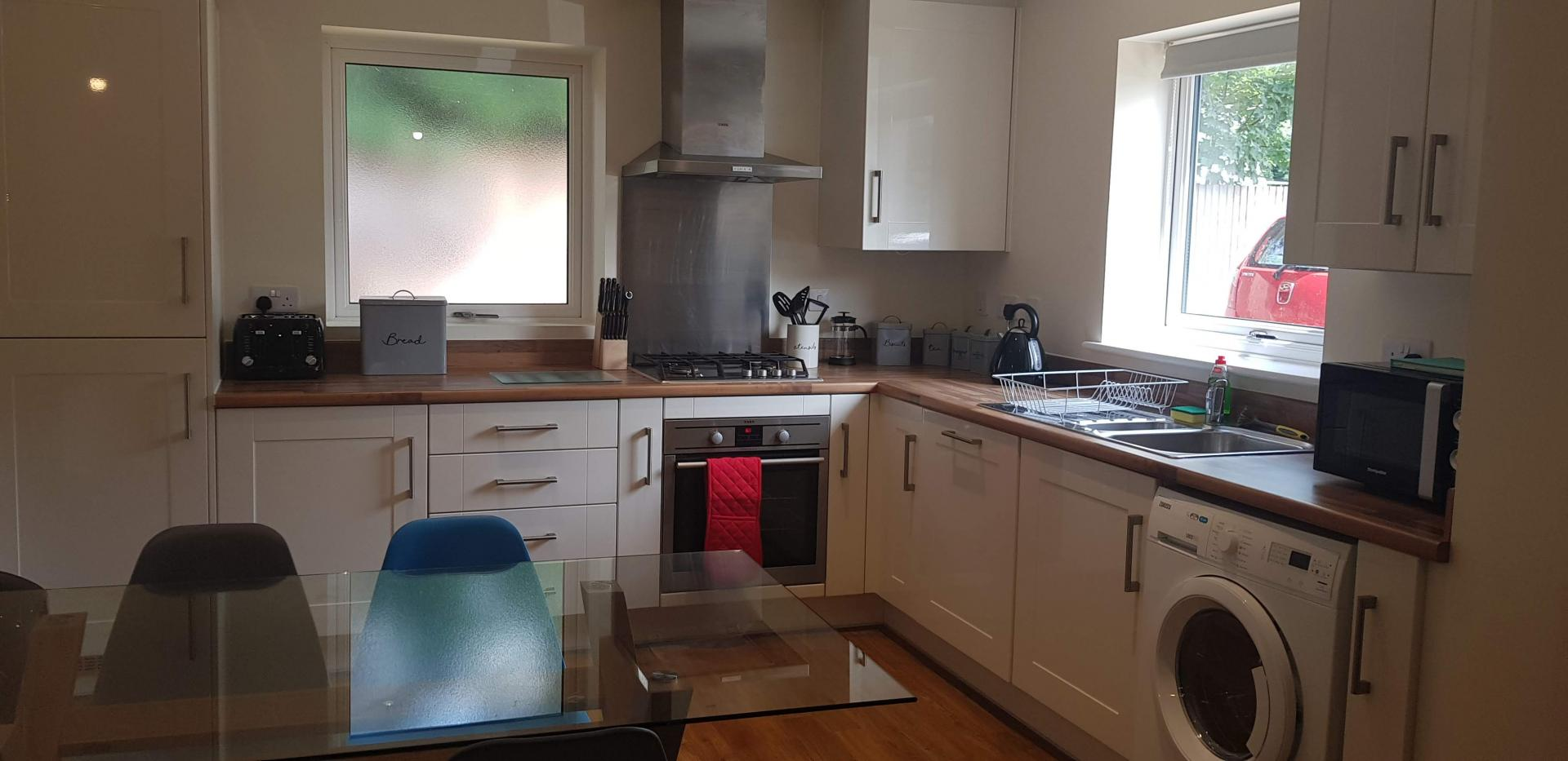 Kitchen at Moore Close Apartment, Inner Avenue, Southampton - Citybase Apartments