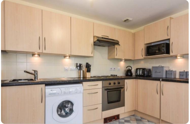 Kitchen at The Roundhouse Apartment, Gunwharf Quays, Portsmouth - Citybase Apartments