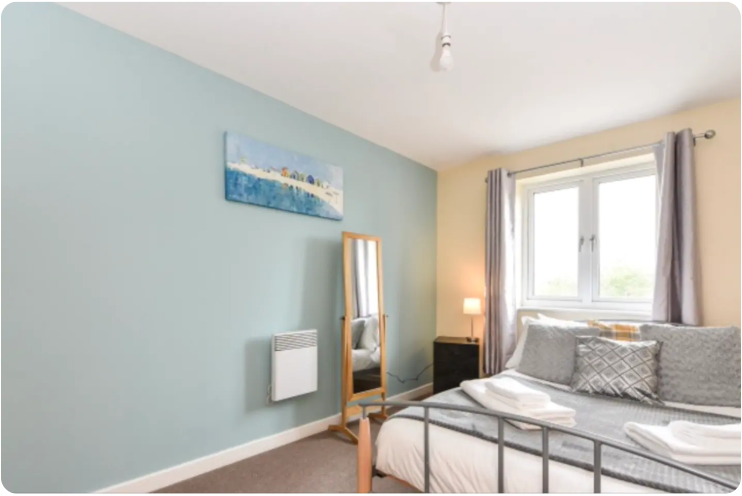 Bed at The Roundhouse Apartment, Gunwharf Quays, Portsmouth - Citybase Apartments