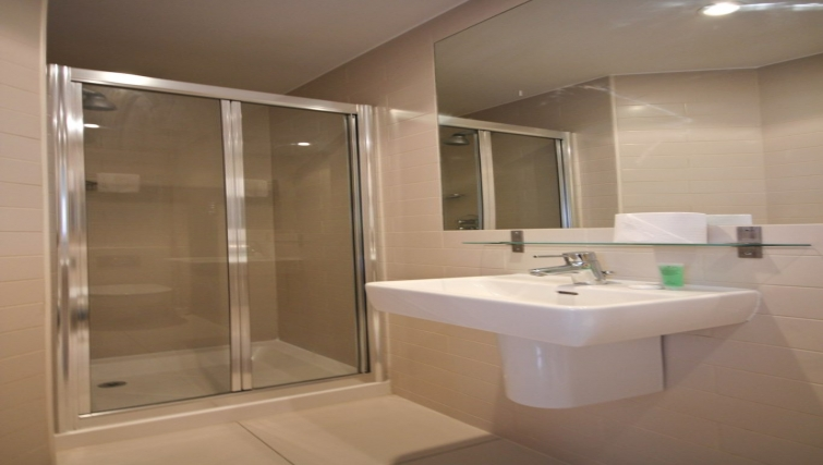 Bathroom at Princes Square Apartments - Citybase Apartments