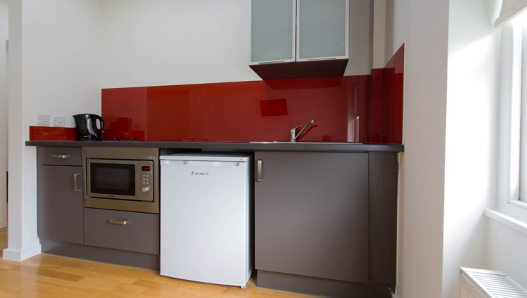 Kitchen at Princes Square Apartments - Citybase Apartments
