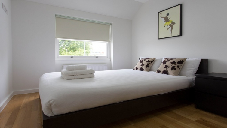 Bedroom at Princes Square Apartments - Citybase Apartments