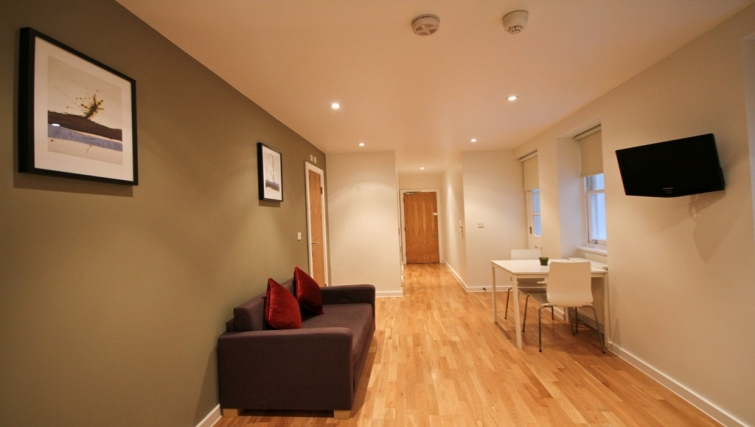 Living area at Princes Square Apartments - Citybase Apartments