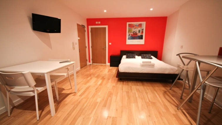 Studio at Princes Square Apartments - Citybase Apartments