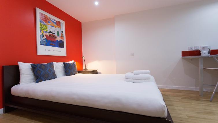 Double studio apartment at Princes Square Apartments - Citybase Apartments