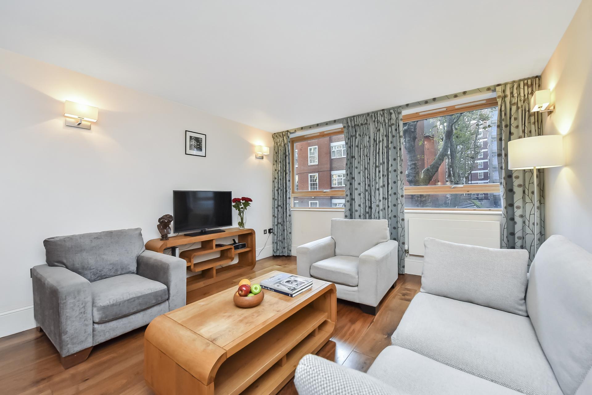 Living area at Tavistock Place Apartments, Fitzrovia, London - Citybase Apartments