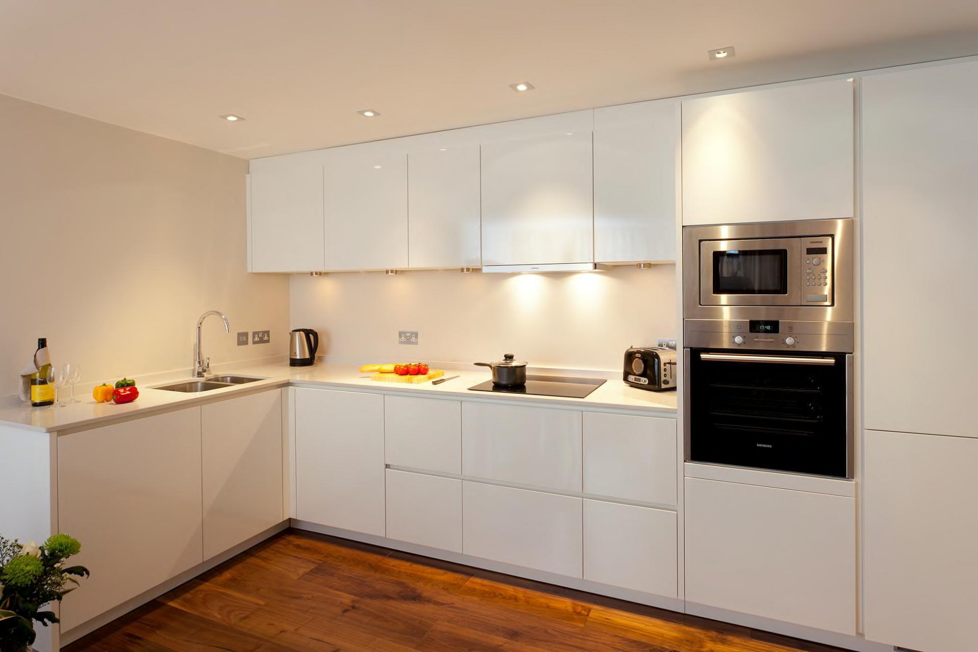 Modern kitchen at Tavistock Place Apartments, Fitzrovia, London - Citybase Apartments