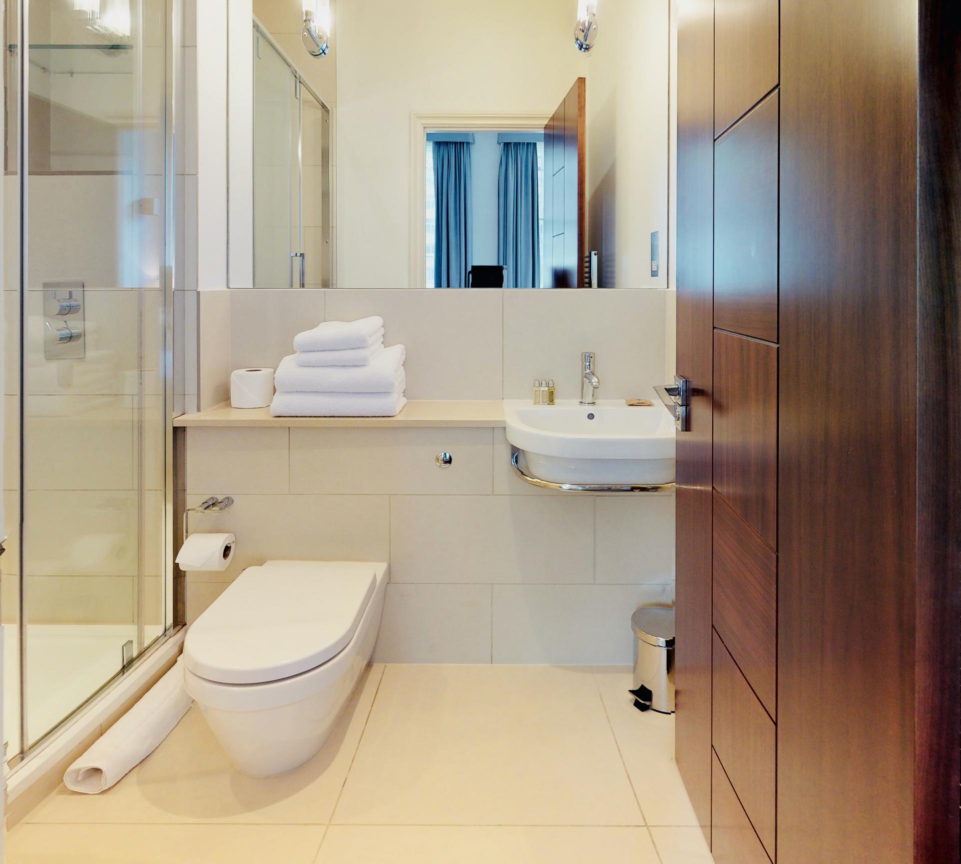 En-suite at Tavistock Place Apartments, Fitzrovia, London - Citybase Apartments