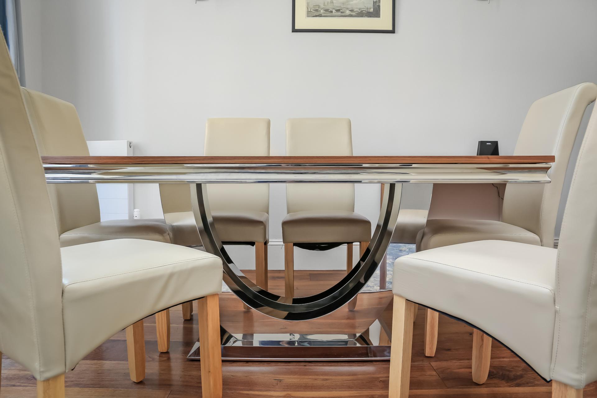 Dining table at Tavistock Place Apartments - Citybase Apartments