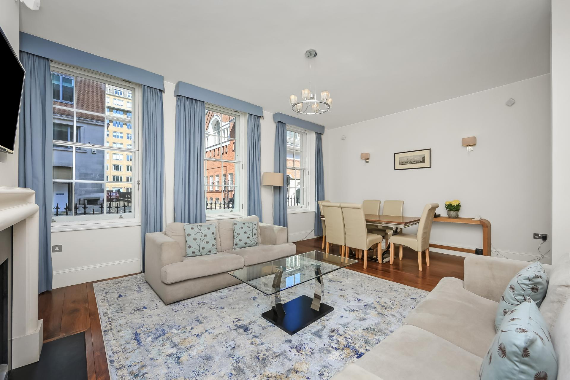 Seating at Tavistock Place Apartments - Citybase Apartments