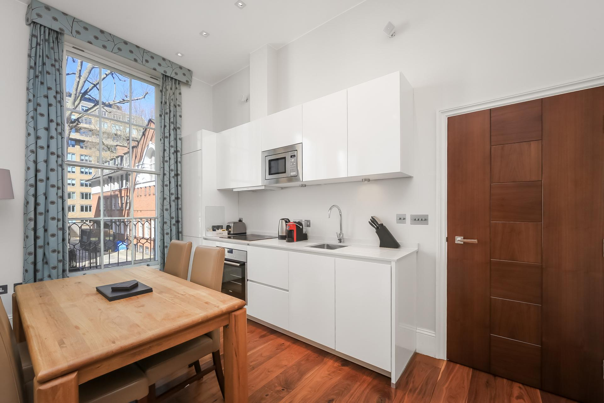 Kitchen at Tavistock Place Apartments - Citybase Apartments