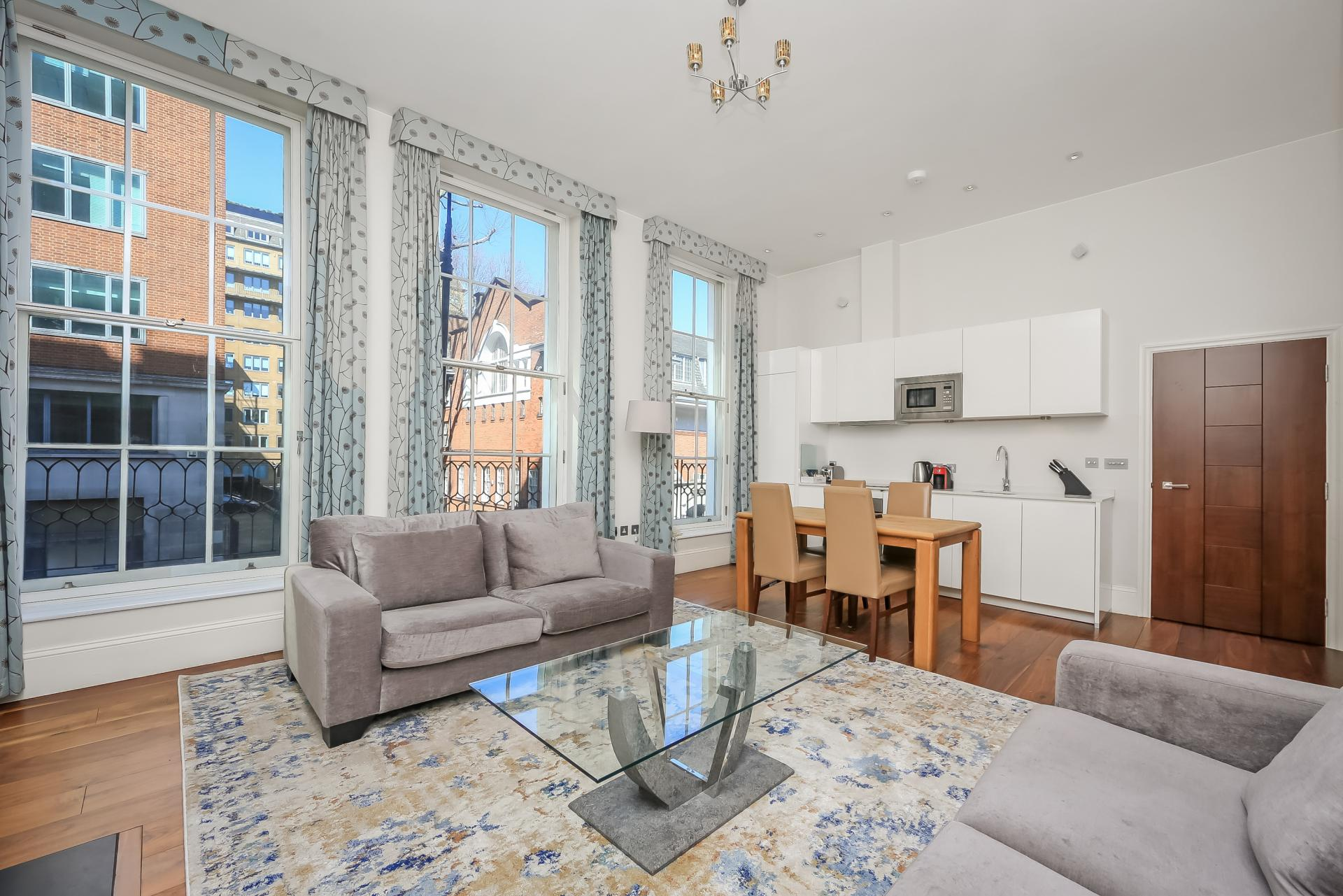 Large living space at Tavistock Place Apartments - Citybase Apartments