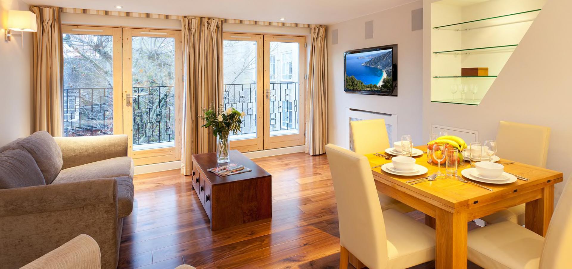 TV at Tavistock Place Apartments - Citybase Apartments