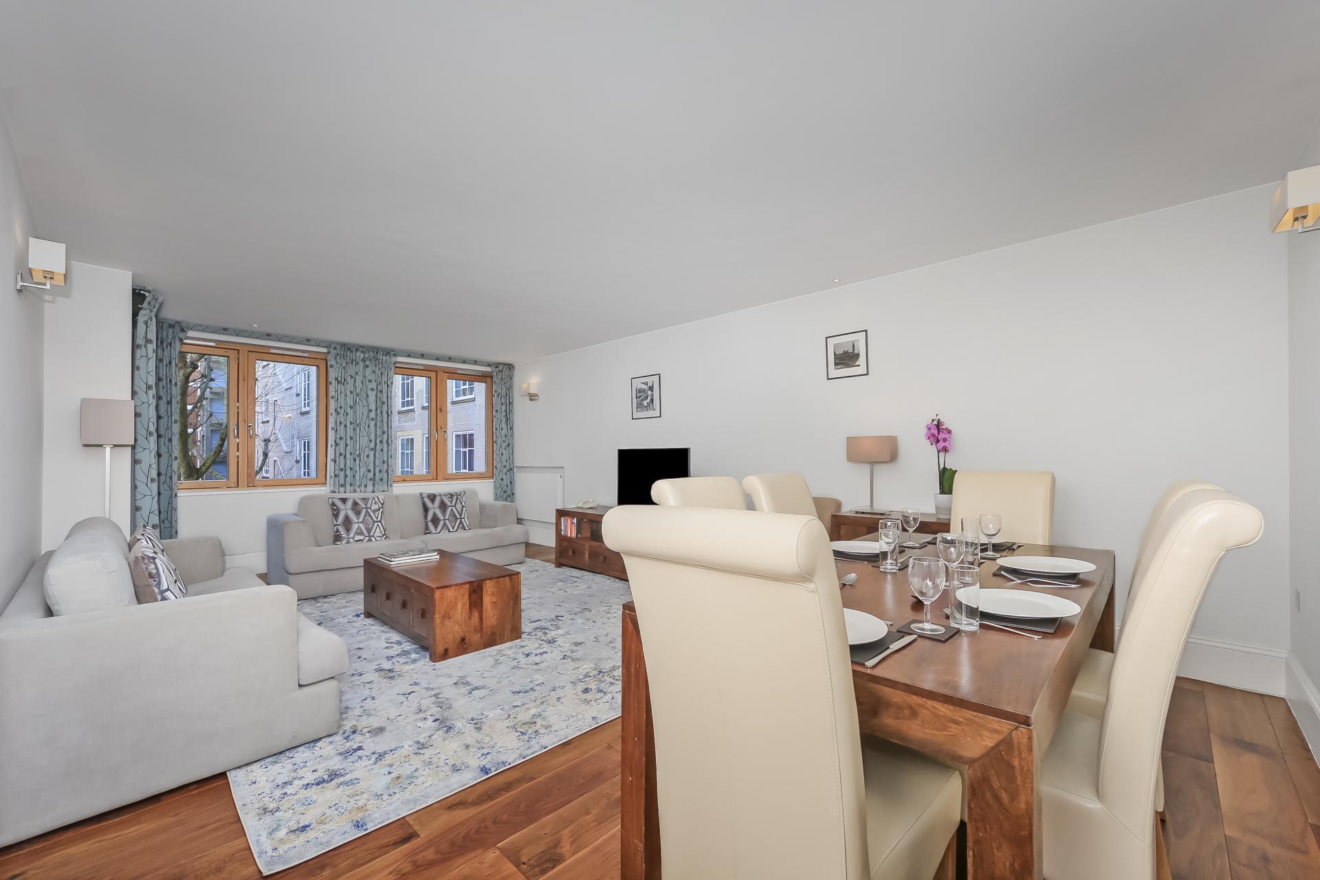 Dining at Tavistock Place Apartments - Citybase Apartments