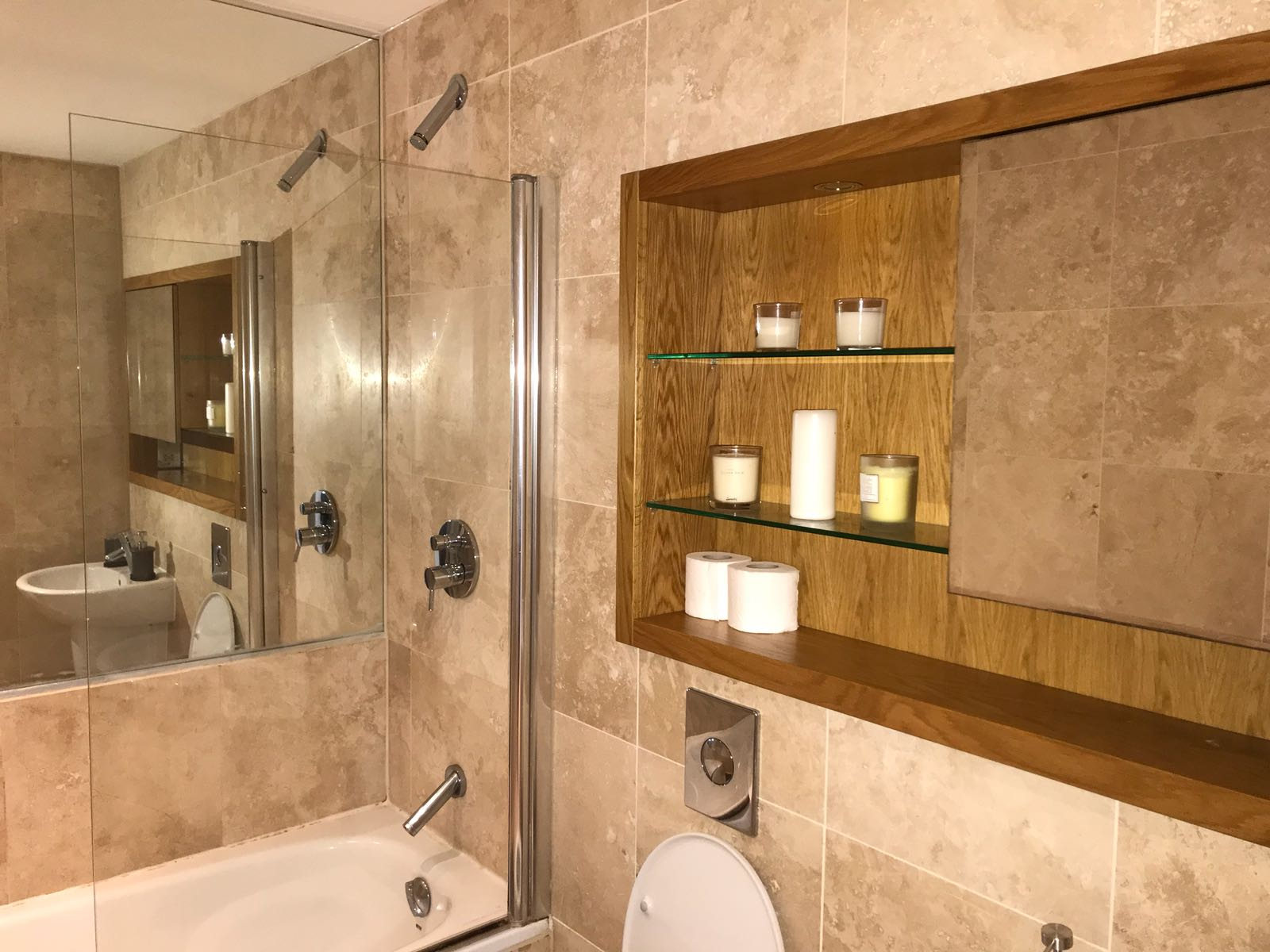 Bathroom at Quayside Lofts - Citybase Apartments
