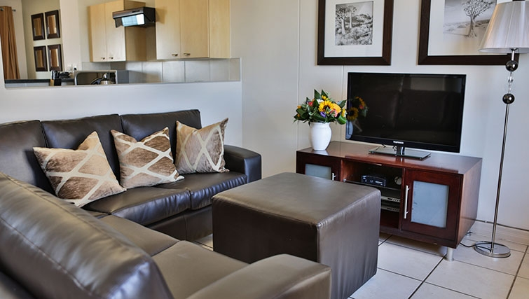 Neutral living area at Westpoint Executive Suites - Citybase Apartments