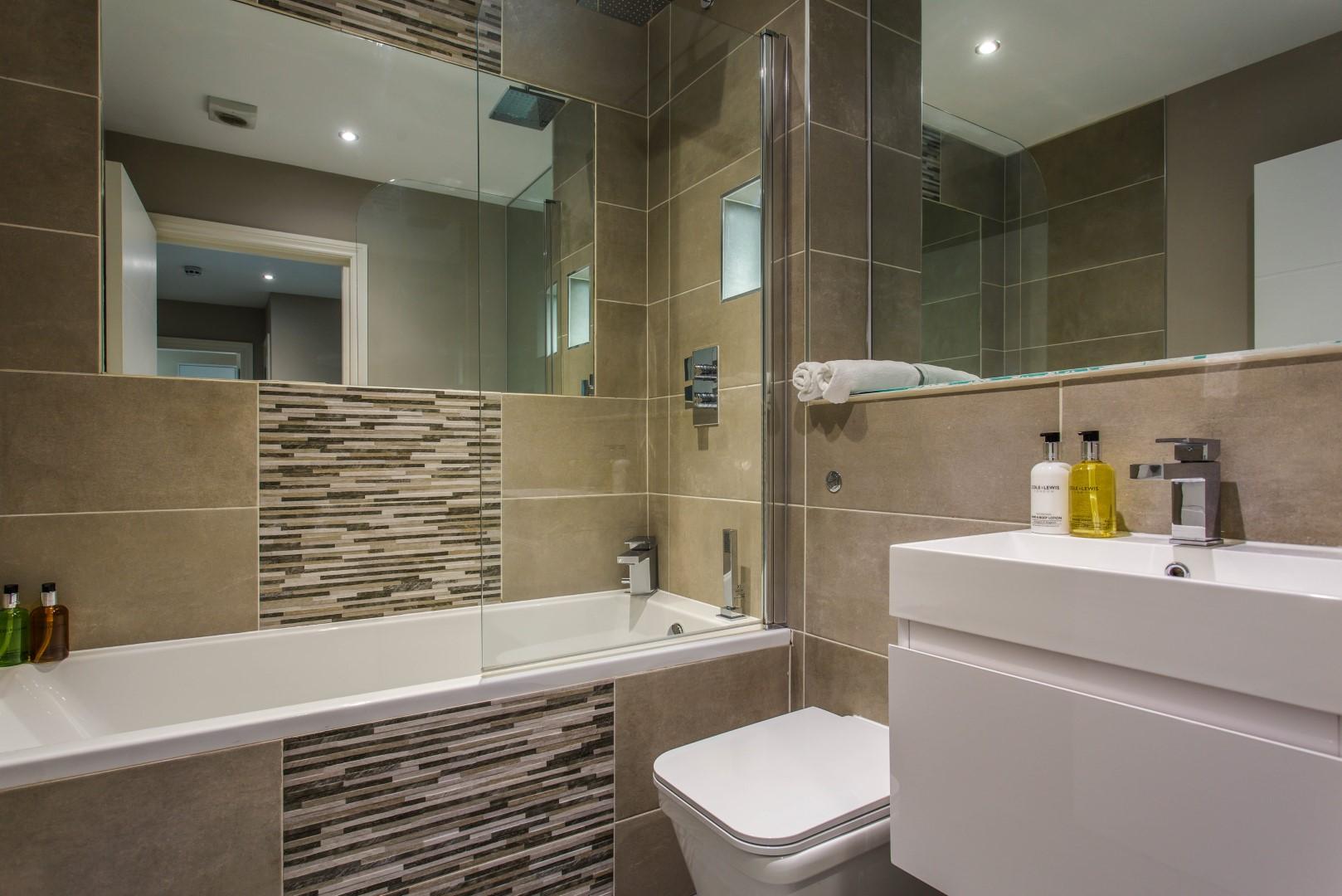 Bathroom at Brighton Lanes Apartments, Centre, Brighton - Citybase Apartments