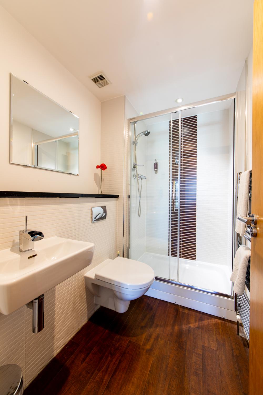 Modern bathroom at The Spires Glasgow - Citybase Apartments