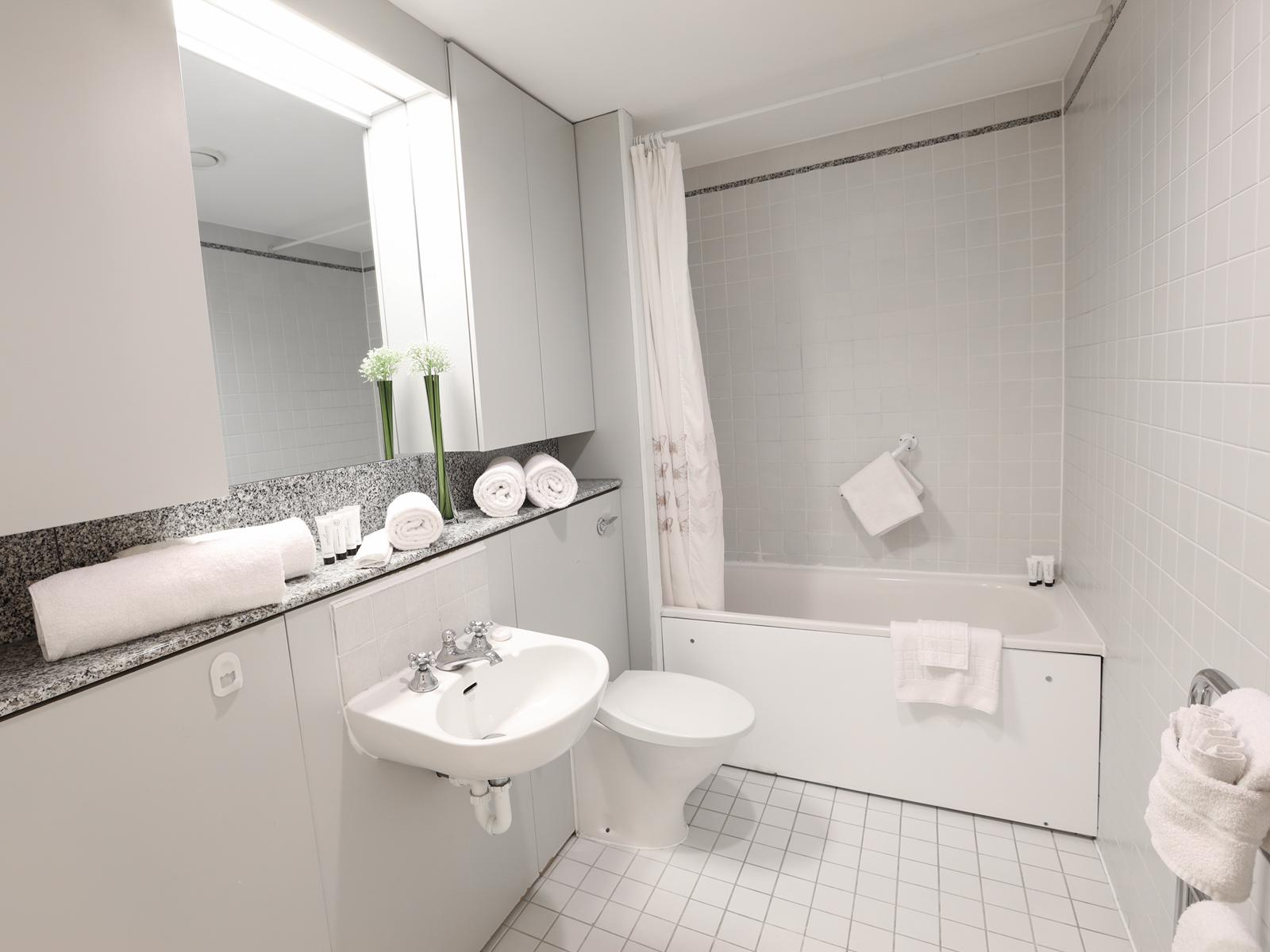 Toilet at 116 Point West Apartments, South Kensington, London - Citybase Apartments