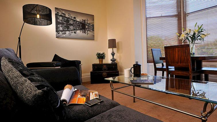 Traditional living room in Howarth House Aparthotel - Citybase Apartments