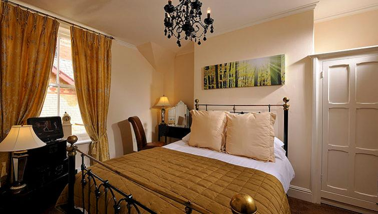 Lovely bedroom in Howarth House Aparthotel - Citybase Apartments